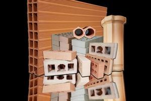 "<div class=""bildtext""><span class=""bildnummer"">»2</span> High-quality ceramic products</div>"
