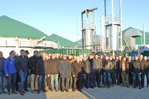 """<div class=""""bildtext""""><span class=""""bildnummer"""">»5</span> Bright sunshine accompanied the group's visit to the biogas plant operated by Stadtwerk Hassfurt GmbH</div>"""