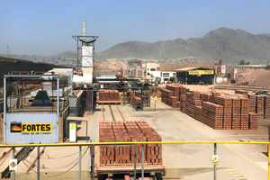 """<div class=""""bildtext"""">&gt;&gt;3 The Ladrillos Fortes plant in Peru</div>"""