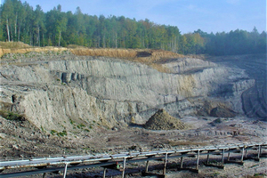 """<div class=""""bildtext""""><span class=""""bildnummer"""">»7</span> Duingen clay pit works a 40-m-thick sequence of strata of the deep Lower Cretaceous/North-Eastern flank of the Hils Basin in the Leine Uplands</div>"""