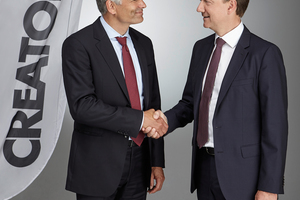 "<div class=""bildtext""><span class=""bildnummer"">»</span> At Creaton, Sebastian Dresse (left) is taking over the company management from Stephan Führling</div>"