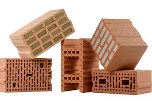 "<div class=""bildtext""><span class=""bildnummer"">»1</span> Bricks are still not digital. However, from the originally simple bricks, high-tech products have emerged over time</div>"
