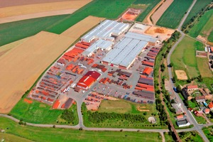 "<div class=""bildtext""><span class=""bildnummer"">»10</span> Roofing tile factory in Germany</div>"