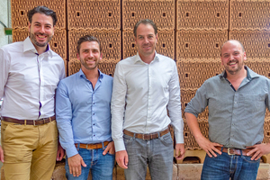 "<div class=""bildtext""><span class=""bildnummer"">»</span> Entering into strategic partnership as highly reputed mid-range producers: Matthias Hörl, Tristan Klein, Michael Hörl and Kai Rudhof (from left)</div>"