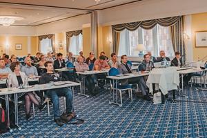 """<div class=""""bildtext""""><span class=""""bildnummer"""">»</span> Mehr als 50 Teilnehmer aus Deutschland, Österreich, der Schweiz und den Niederlanden informierten sich beim IZF-Seminar zum Leitthema """"Ziegelindustrie im Wandel""""</div>"""