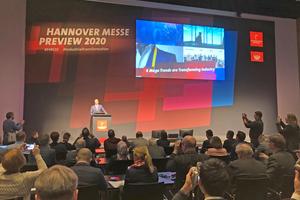 """<div class=""""bildtext""""><span class=""""bildnummer"""">»1</span> Dr. Jochen Köckler, Chief Executive Officer of Deutsche Messe AG, explains the four megatrends of our time</div>"""