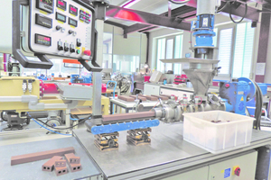 """<div class=""""bildtext""""><span class=""""bildnummer"""">»1</span> Everything starts in the laboratory: Basic raw materials and extrusion tests are an essential foundation for successful project realization</div>"""