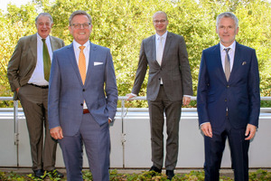 """<div class=""""bildtext""""><span class=""""bildnummer"""">» </span>Hans Helmuth Jacobi, Stefan Jungk, Dr Matthias Frederichs and Johannes Edmüller (left to right) want to actively press ahead with the topics of energy efficiency, climate protection and recycling for the clay brick and tile industry</div>"""