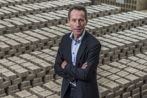 """<div class=""""bildtext""""><span class=""""bildnummer"""">»</span>Jean-Pierre Wuytack, CEO of Vandersanden, is going with sustainability in brick production. His credo: Using bricks to herald the energy transition in the construction materials sector.</div>"""