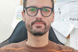 """<div class=""""bildtext_en""""><span class=""""bildnummer"""">»</span> Dr Domingo Martin is assistant professor at the institute of crystallography, mineralogy and agrochemistry at the University of Sevilla (Spain)</div>"""