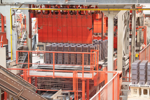 "<div class=""bildtext""><span class=""bildnummer"">» </span>The Vandersanden factory in Upper Lusatia successfully combines tradition with modernity.</div>"