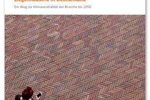 """<div class=""""bildtext""""><span class=""""bildnummer""""><irspacing style=""""letter-spacing: 0.001em;"""">» </irspacing></span>Die gemeinsam mit der FutureCamp Climate GmbH entwickelte Roadmap der Deutschen Ziegelindustrie zeigt auf der Basis aktueller Zahlen und Daten, wie die Dekarbonisierung der Ziegelherstellung bis 2050 gelingen kann und welche Rahmenbedingungen dafür notwendig sind.</div>"""