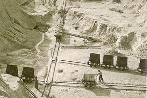 """<div class=""""bildtext_en""""><span class=""""bildnummer"""">» </span>Pegmatite quarry at Thansüß (1954)</div>"""