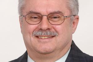 """<div class=""""bildtext""""><span class=""""bildnummer"""">» </span>Prof. Dr. Krcmar ist Professor in der Fakultät Werkstofftechnik der TH Nürnberg und Vorsitzender der Wissenschaftlichen Leitung des Energie Campus Nürnberg.</div>"""