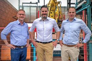 "<div class=""bildtext_en""><span class=""bildnummer"">» </span>Management of the Wenzel brick company: Dipl.-Ing. Rudolf Bax, Matthias Hörl, Michael Hörl (left to right)</div>"
