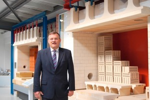 "<span class=""bildunterschrift_hervorgehoben"">»3</span> Burton General Manager Márton Varga admiring the redesigned showroom at company headquarters in Melle<br />"