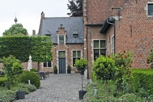 "<div class=""bildtext_en""><span class=""bildnummer"">»</span> The Begijnhof dating from the 13th century provided a stylish venue for this year's meeting of the European brick and tile industry </div>"
