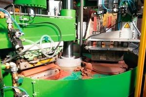 "<span class=""bildunterschrift_hervorgehoben"">»5</span> Pressing cylinder/pressing position"