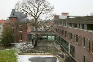 ›› 3 The old vicarage was joined via a glass walkway to the new brick building of the VMM