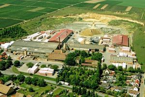 "<div class=""bildtext""><span class=""bildnummer"">»2</span> Company headquarters of Juwö Poroton-Werke in Wöllstein</div>"