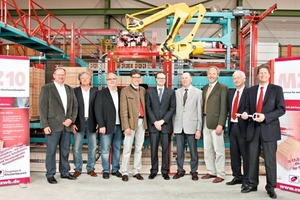 "<span class=""bildunterschrift_hervorgehoben"">»</span> At the commissioning of the new facility at Klosterbeuren Brickworks, from left: Rudolf Mensinger (production manager at Klosterbeuren Brickworks), Hans Jörg Settele (construction contractor Settele), Architect Martin Gleich, Babenhausen's Mayor Otto Göppel, Frank Appel from Lingl, the plant supplier, Karl Hertle from the company Grenzebach, District Administrator Hans-Joachim Weirather along with Hubert and Thomas Thater, the two Managing Directors at Klosterbeuren Brickworks<br />"