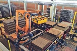 "<div class=""bildtext_en""><span class=""bildnummer"">»2</span> Setting machine with robot for Sabo Impianti installed in 2014 at Cerâmica CEVVAP</div>"
