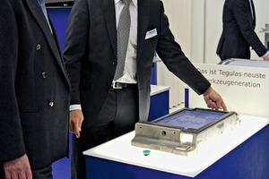 "<span class=""bildunterschrift_hervorgehoben"">»</span> Tegulas Managing Director Daniel Imhof explaining how the new-generation tool works<br />"