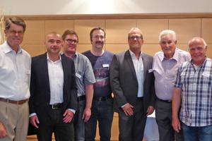 "<div class=""bildtext_en""><span class=""bildnummer"">»1</span> The newly elected Board with Walter Distel (second from right) who celebrated 50 years of membership in the SBZS: Jürg Läderach, Matthias Schönle, Thomas Bannwart, Simon Jordi, Dirk Hümmer, Ewald Stillhard (left to right)</div>"