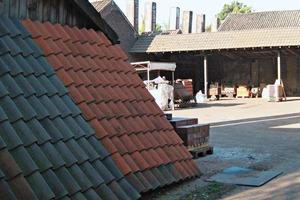 "<span class=""bildunterschrift_hervorgehoben"">»17</span> The kiln house with its characteristic smokestacks<br />"
