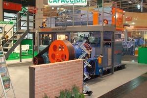 """<span class=""""bildunterschrift_hervorgehoben"""">»3</span> The new Aral M650 extruder at Ceramitec in Munich<br />"""
