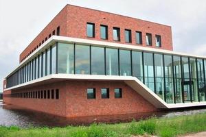 """<span class=""""bildunterschrift_hervorgehoben"""">»7</span> For the office building """"Union"""" in Oud-Beijerland, the """"Redwood"""" type was used<br />"""
