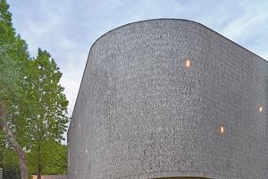 """<div class=""""bildtext_en""""><span class=""""bildnummer"""">»5</span> Auditorium AZ Groeninge, Kortrijk, Belgium</div>"""