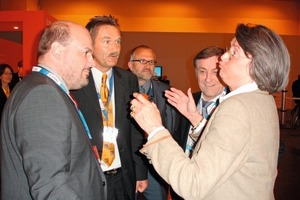 ››4 Steffen Kampeter, haushaltspolitischer Sprecher der CDU/CSU im Deutschen Bundestag, RA Raimo Benger, Christoph Kaufmann und Kunibert Gerij diskutierten mit NRW-Wirtschaftsministerin Christa Thoben (v.l.n.r.)<br />