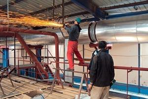 "<span class=""bildunterschrift_hervorgehoben"">»2</span> Installation of the cable trays in the second kiln<br />"
