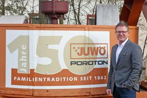 "<div class=""bildtext""><span class=""bildnummer"">»5</span> The Juwö Poroton-Werke have a tradition going back 155 years</div>"