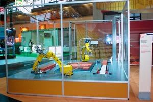 """<span class=""""bildunterschrift_hervorgehoben"""">»2</span> Demonstration: paver-laying machine <br />"""
