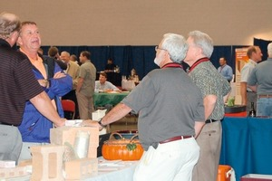 """<span class=""""bildunterschrift_hervorgehoben"""">»4</span> Even in this year of crisis 2009, numerous traditional exhibitors remained faithful to the forum<br />"""