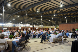 """<div class=""""bildtext_en""""><span class=""""bildnummer"""">»2</span> More than 300 guests celebrated the opening in Henrietta in the US state of Texas</div>"""