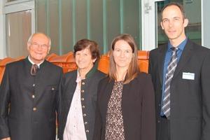 """<span class=""""bildunterschrift_hervorgehoben"""">»1</span> Familie Banke freute sich, mehr als 80 Teilnehmer in ihrem Haus begrüßen zu können: Franz, Hannelore, Andrea und Thomas Banke (v.l.n.r.)"""