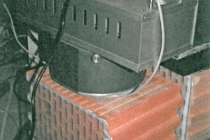 "<div class=""bildtext_en""><span class=""bildnummer"">»2</span> Measurement set-up for determination of the radon exhalation rate with the radon analyser [4]</div>"