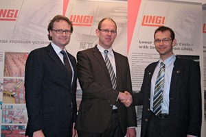The managing directors of Lingl, Frank Appel (left) and Andreas Lingl (right), congratulate Adalbert Dzialoszynski on his new position<br />