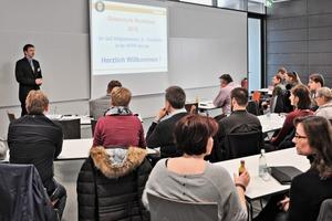 """<div class=""""bildtext"""">»1 In den Vorträgen wurden aktuelle Themen der Branche behandelt </div>"""