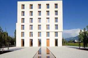 "<div class=""bildtext_en""><span class=""bildnummer"">»2</span> Office Building 2226, Lustenau, Austria</div>"