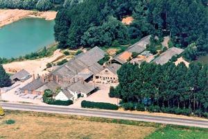 "<span class=""bildunterschrift_hervorgehoben"">»1</span> Aerial photo of the Alphons Meyer KG roofing tile factory<br />"