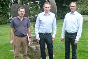 "<div class=""bildtext_en"">» Prof. Dr. Ralf-Gunther Schmidt, B.Sc. Tobias Nimz, Dipl.-Ing. Rainer Hüsing (from left to right/v.l.n.r.)</div>"
