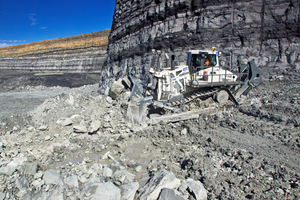 """<div class=""""bildtext_en""""><span class=""""bildnummer"""">»</span> Liebherr's new PR776 crawler tractor is suitable for mining and quarry operations</div>"""