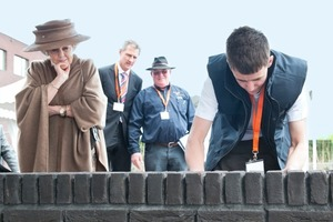 "<span class=""bildunterschrift_hervorgehoben"">»</span> Queen Beatrix visiting the final of the brick games 2012 in Barneveld"