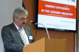 "<span class=""bildunterschrift_hervorgehoben"">»2</span> Eckhard Rimpel provided information on how to save energy"