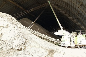 """<span class=""""bildunterschrift_hervorgehoben"""">»7</span> Investment has also gone into raw materials– here the clay storage facility at the Mordano plant<br />"""