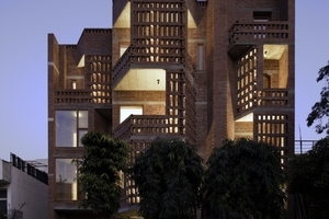 &gt;&gt;5 Defence Colony Residence<br />